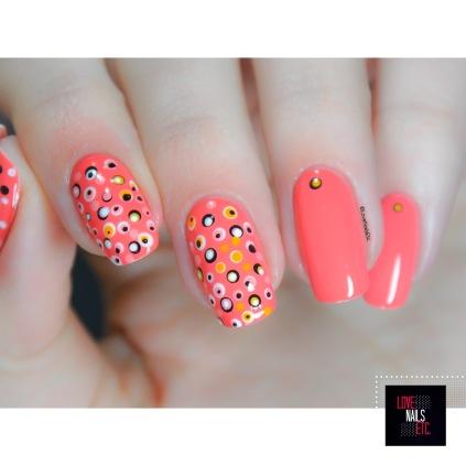 3 shades of orange - 40 Great Nail Art Ideas